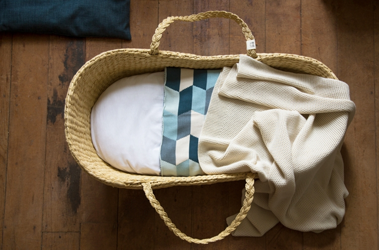 sleeping naturally: baby's first bed